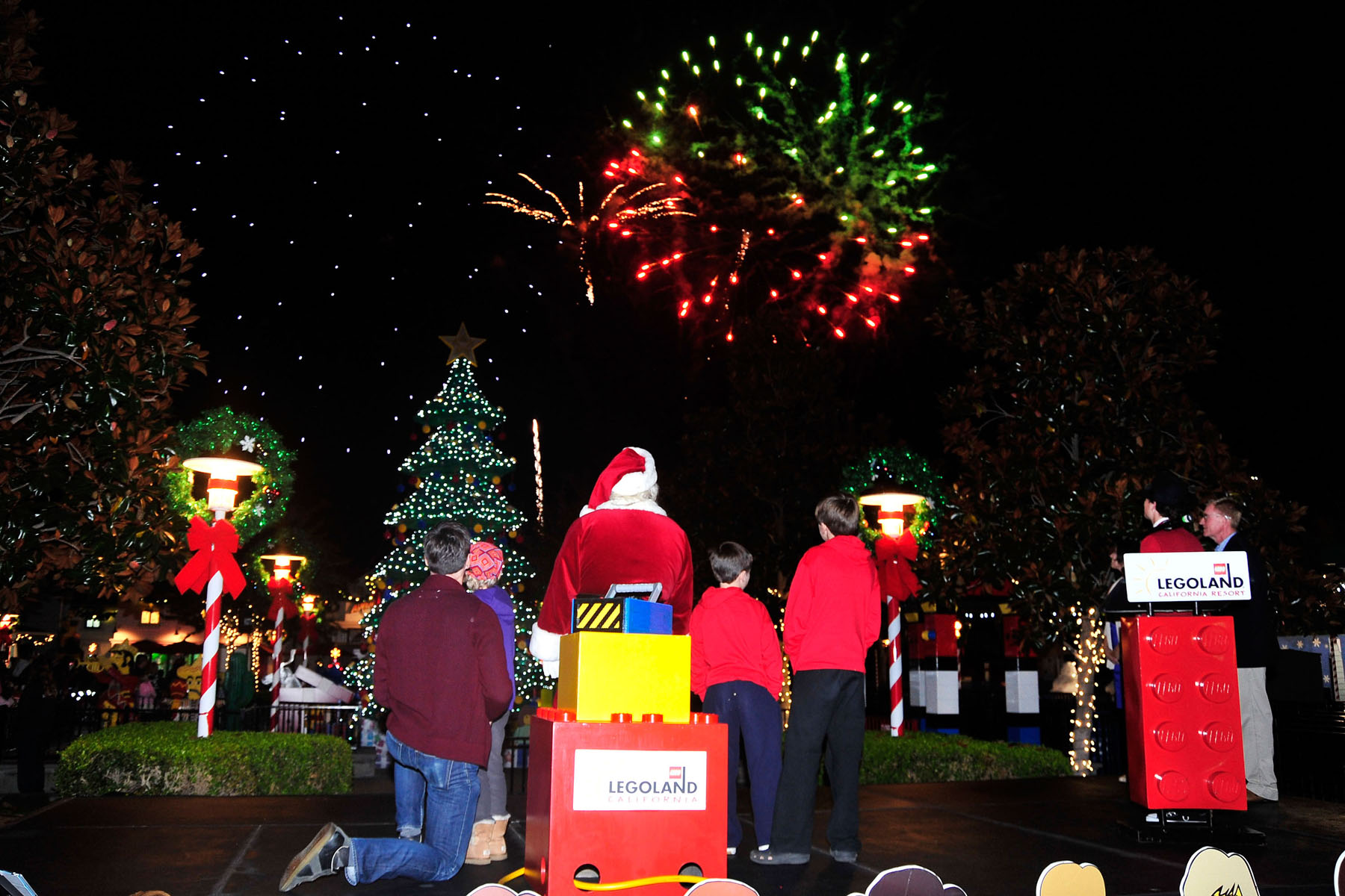 Treelighting Ceremony at Legoland California with Thomas Gibson