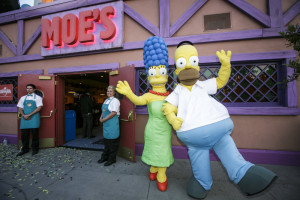 "UNIVERSAL STUDIOS HOLLYWOOD - THEME PARKS -- ""Springfield"" grand opening at Universal Studios Hollywood -- Pictured: (l-r) Marge and Homer Simpson -- (Photo by: David Sprague/Universal Studios Hollywood)"