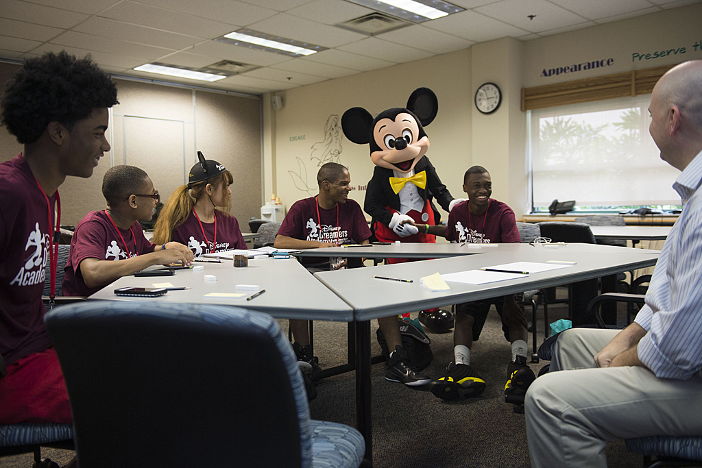 disneys dreamers academy essay contest for high school